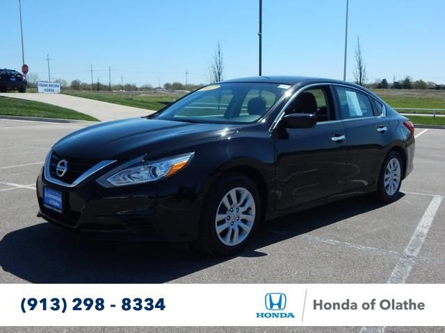 Pre Owned 2017 Nissan Altima 2 5 S in Olathe P0151